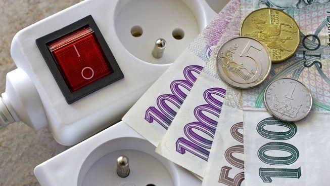 Domácnosti si za elektřinu od ČEZ příští rok připlatí až 2140 korun