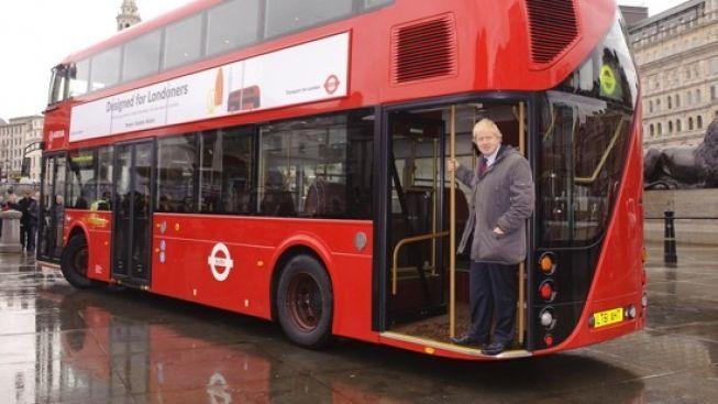Legenda ožívá: Naskakovací autobusy se vrací