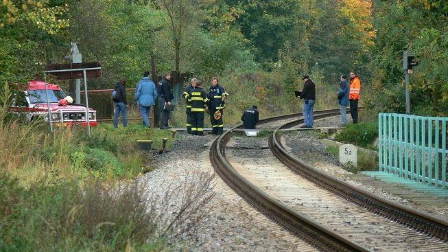 Vlak v Plzni srazil a zabil muže (†40)