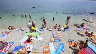 Češi tráví na zahraničních dovolených stále méně času