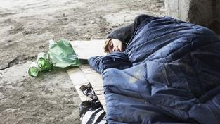 Čtvrtině lidí EU hrozí chudoba či vyloučení