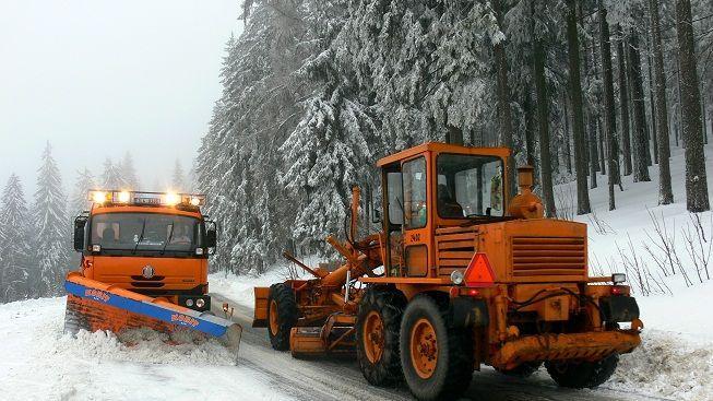 Jako ve filmu Kalamita. Na Rychnovsku uvázl vlak ve sněhové závěji
