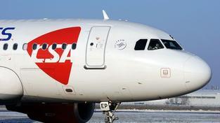 Letoun ČSA hlásil požár motoru, vrátil se na letiště v Budapešti