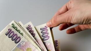 Dluhy českých domácností v červenci vzrostly na 1,14 bilionu Kč