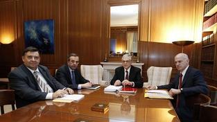 Lídři řeckých politických stran se dohodli na úsporách