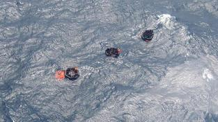 Z potopeného trajektu u Papuy se stále pohřešuje 110 lidí