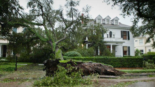 Hurikán Isaac minul New Orleans, hráze kolem města vydržely