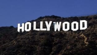 Obyvatelé bájného Hollywoodu jako vězni ve vlastních domech?