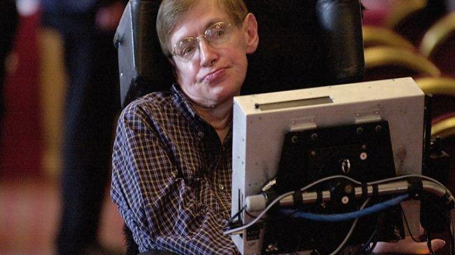 Nemocný vědec Hawking je pro právo vážně nemocných na eutanazii