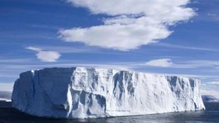 Objem ledovce v Arktidě dosáhl rekordního minima