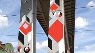 Magistrát povolil pomalování Nuselského mostu. Odborníci se bouří