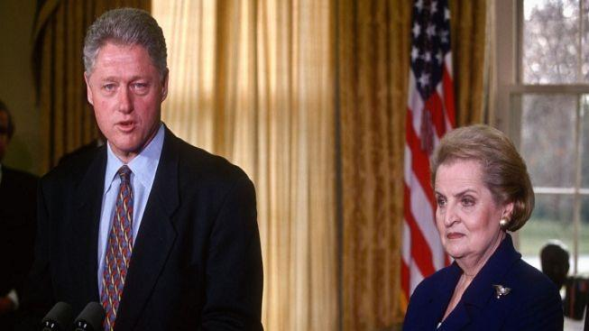 S Havlem se přijede rozloučit Clintonová, Clinton, Cameron a Albrightová