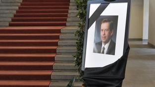 Sněmovnou zněla Havlova slova, poslanci uctili památku prezidenta