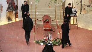 Zesnulý Havel ve Vladislavském sále. Pocta, které se nedostalo ani Masarykovi