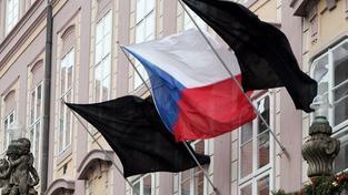 Černý prapor vlaje: Vláda vyhlásí státní smutek