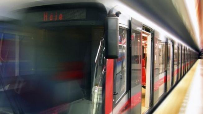 Kvůli požáru nejezdilo metro mezi Florencí a Pražského povstání