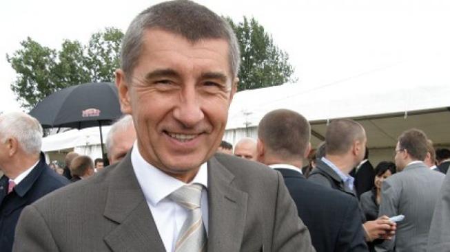 Miliardář Babiš vykopl Rathovy příznivce s prosbou o 14 milionů