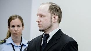 Vězení nebo blázinec? Tento pátek se rozhodne o Breivikovi