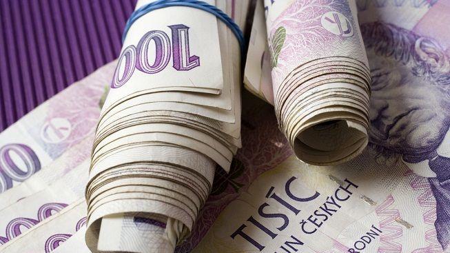 Přečtěte si, co tvrdí ekonomové o vašich penězích v českých bankách