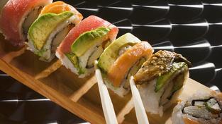 """Gurmánský bar """"na stojáka"""" je hitem v Tokiu"""