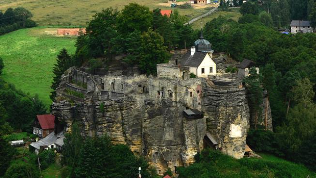 Skalní hrad Sloup.