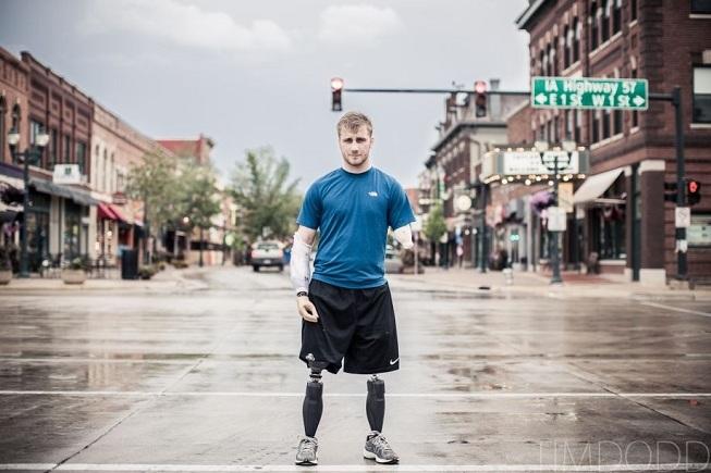 Voják (23) přišel o všechny končetiny. Dal se na tanec!