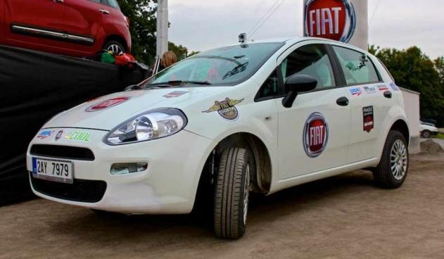 Jak vypadá (ne)povedený skok Fiatu? Podívejte se!