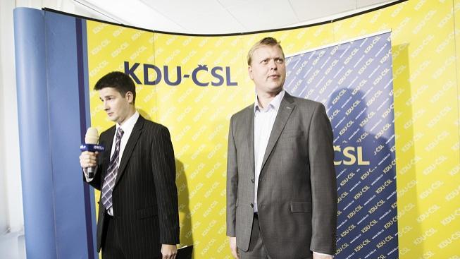 Předseda Pavel Bělobrádek (vpravo)