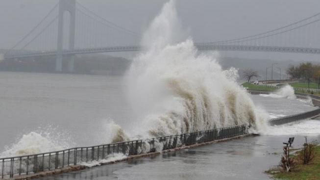 Nábřeží v New Yorku, hurikán Sandy.
