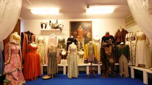 kostýmy z popelky v Barrandovských studiích
