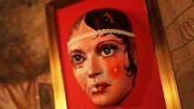 Hard Rock Cafe Praha věnuje do aukce masky 13 českých celebrit