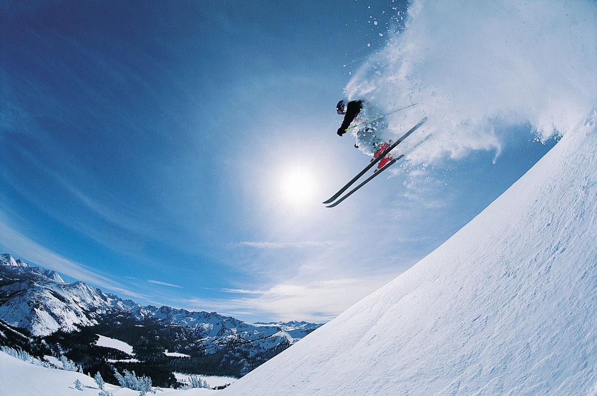 Lavina zábavy ve sportovním komplexu Avalanche