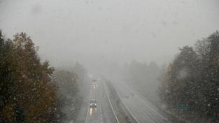 Sníh na silnicích.