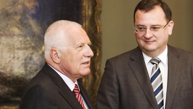 Václav Klaus s Petrem Nečasem