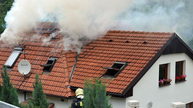 Požár domu (ilustrační foto)