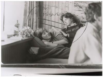 Lady Diana na kolenou neznámého muže! Zakázaná fotka princezny je na prodej