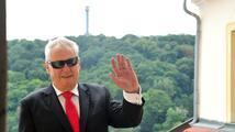 Zeman zahájil návštěvu Slovenska, uvítal ho slovenský prezident