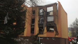 Panelová bytovka po výbuchu plynu