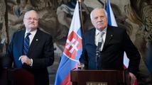 Prezidenti ČR a Slovenska si předali nejvyšší státní vyznamenání