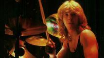 Zemřel Clive Burr, bývalý bubeník Iron Maiden