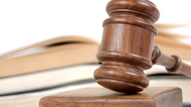 Mladistvý z mačetového útoku dostal u soudu v Liberci 4,5 roku