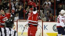 Tlustý dal v NHL první hattrick. Neprůstřelnost Vokouna skončila