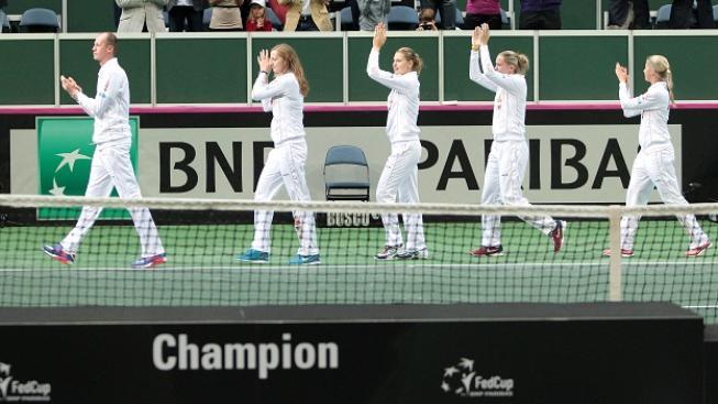České tenistky s trenérem