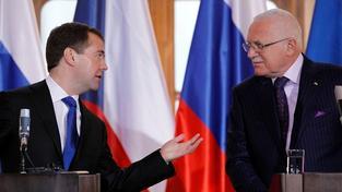 Dmitrij Medvědev s Václavem Klausem