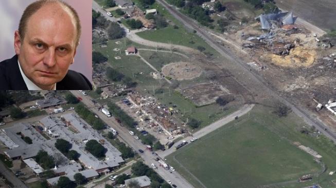 Výbuch v Texasu, Petr Gandalovič (vlevo v rohu)