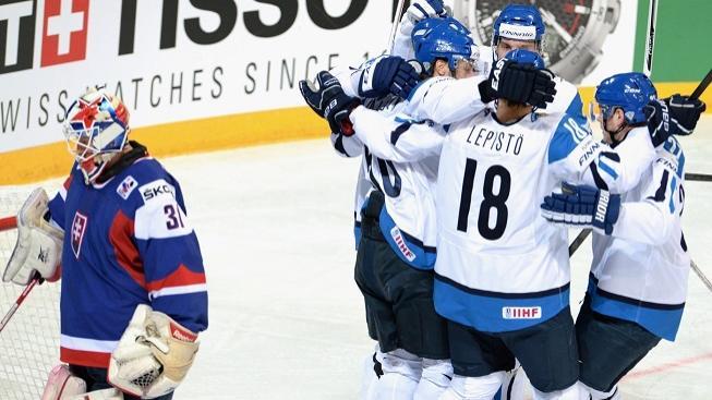 Finové se radují z výhry