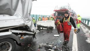 Hromadná srážka aut (ilustrační foto)
