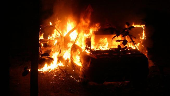 Hořící automobil (ilustrační foto)