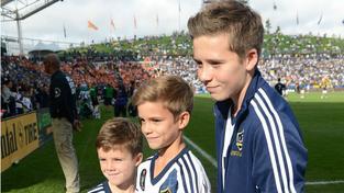 Brooklyn Beckham (Vpravo)