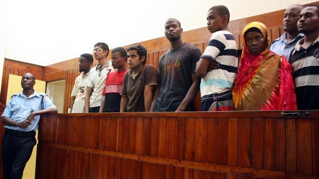 Michael Adebowale (pátý zleva)